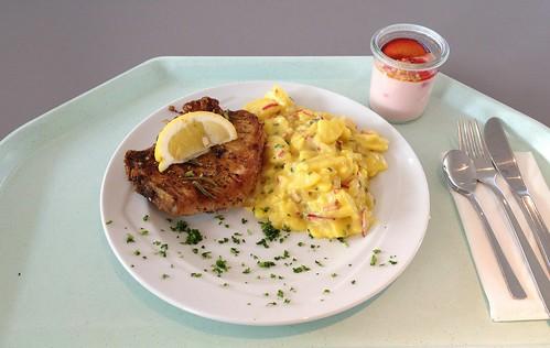 Schweinekotelette mit Kartoffel-Radieschensalat / Pork choplet with potato radish salad