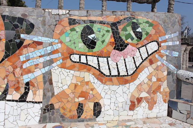 20130210_9381-rock-garden-cat-mosaic