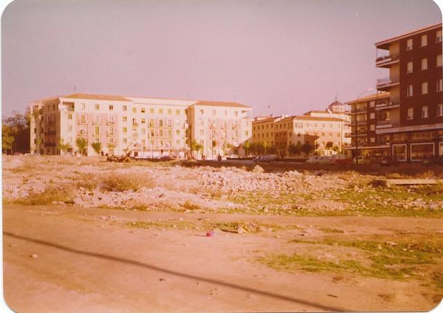 Escombrera en el barrio de Santa Teresa en los años 70. Fotografía de Ricardo Sánchez Candelas