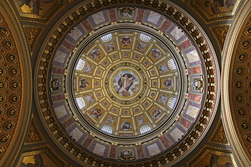 Under the dome of theSt. Stephen Basilica in Budapest