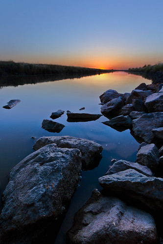 ca sunset water night canon rocks clear sacramento 1022 foreground natomas uwa t2i boingyman