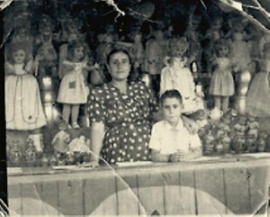 Tómbola en el paseo de Merchán. Familia Torrecillas