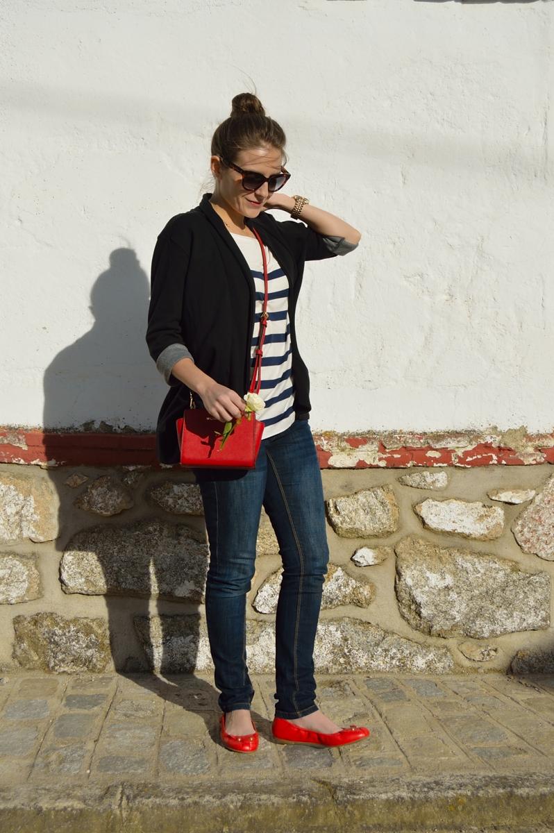 lara-vazquez-fashion-blog-blue-red-outfit