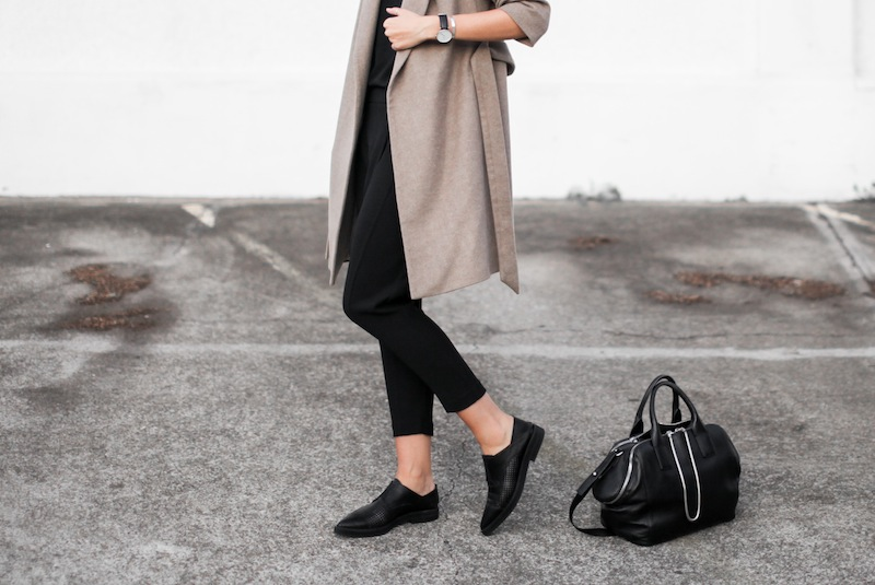 modern legacy blog street style off duty Zara camel long coat Camilla and Marc Zoya Cami Hacker drop crotch pant all black Helmut Lang Benday oxford perforated leather sale Alexander Wang chain bag clean masculine minimalist (11 of 14)