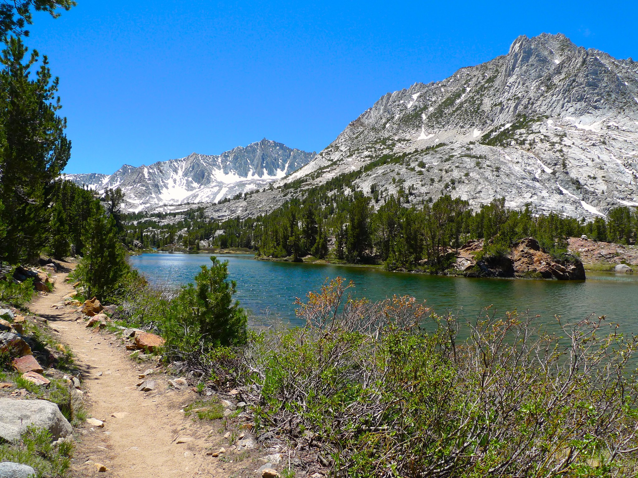 Bishop Pass trail alongside Long Lake