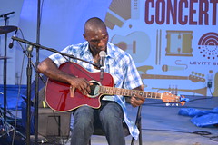 011 Cedric Burnside