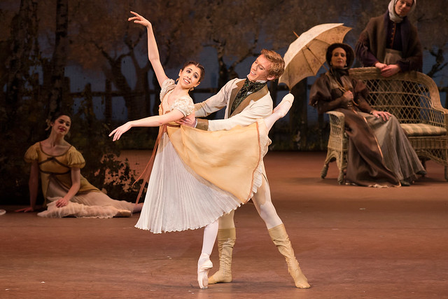 Yasmine Naghdi and Dawid Trzensimiech in Onegin, The Royal Ballet © ROH/Bill Cooper, 2013