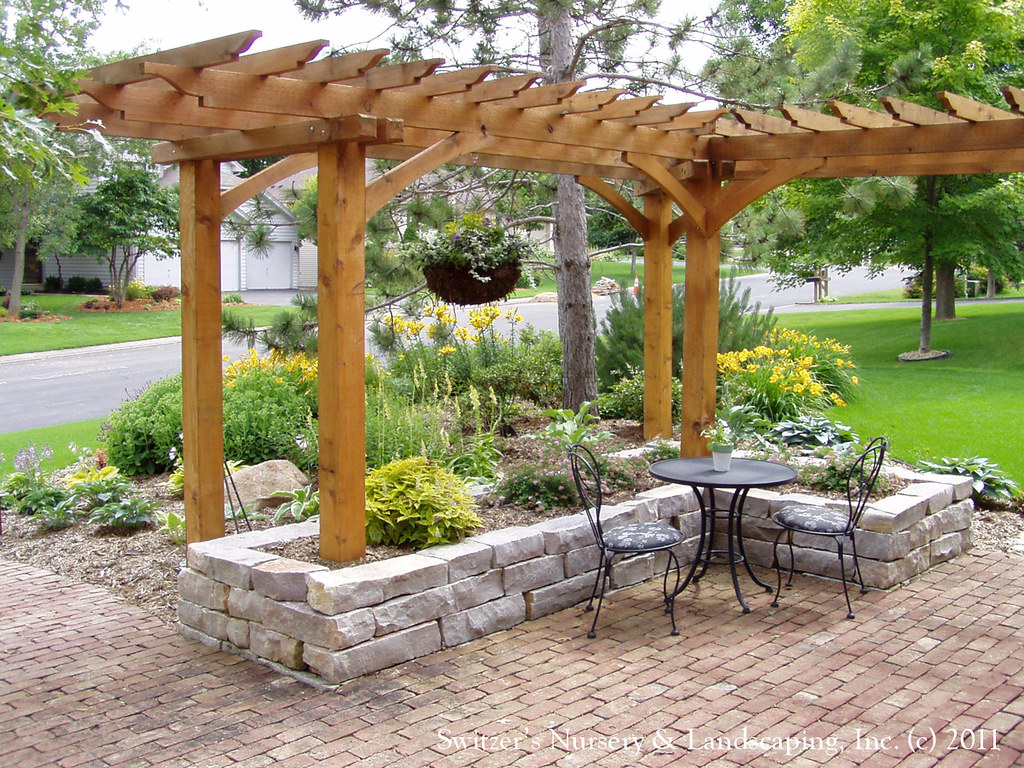 front yard patio entry l shaped pergola and chilton stone
