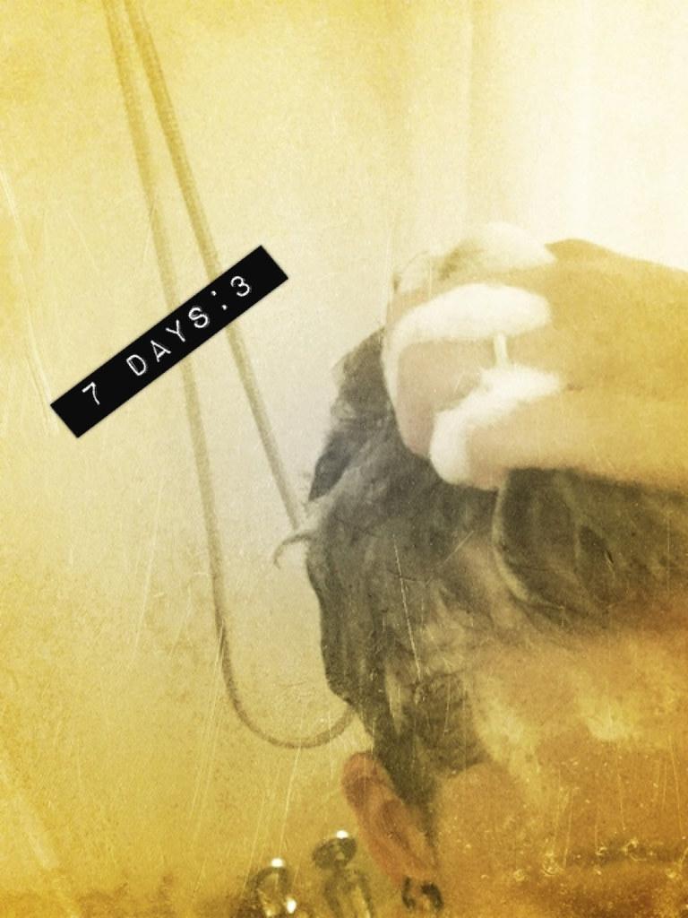 7 Days :: 3 {hair}