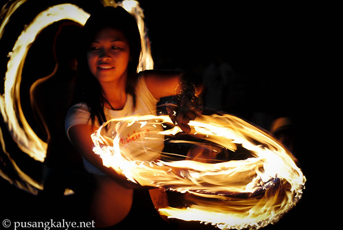 fire dance_puerto galera