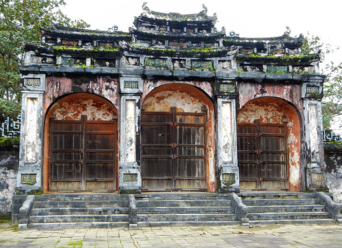 Minh Mang Tomb in Hue: Building