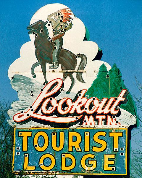 Lookout Mountain Tourist Lodge