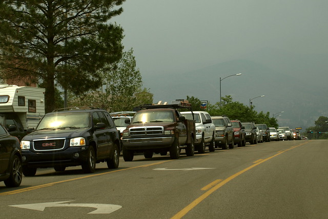Evacuation traffic on one of the town's main boulevards.  County officials, including Police Chief Wayne Torpy praised the community for an efficient, safe, and ultimately successful evacuation.    Photo by Jeff Berger