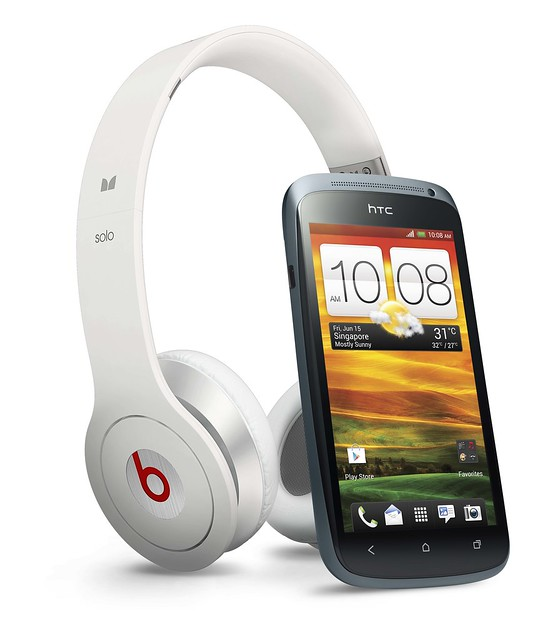 HTC One S With Beats Solo Headset