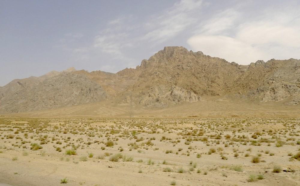 yazd-shiraz-L1020865