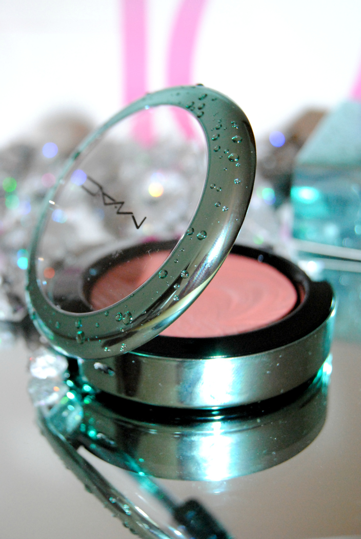 MAC Blush Alluring Aquatic (4)