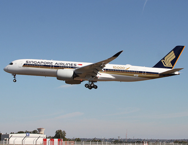 Singapore' Airlines. Sticker The special livery on A350 Airbus' 10,000 The Airbus Aircraft