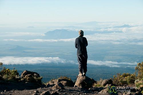 africa mountains kilimanjaro mtkilimanjaro clouds sunrise tanzania dawn mountkilimanjaro eastafrica gadv horombohuts marangutrail dna2tanzania
