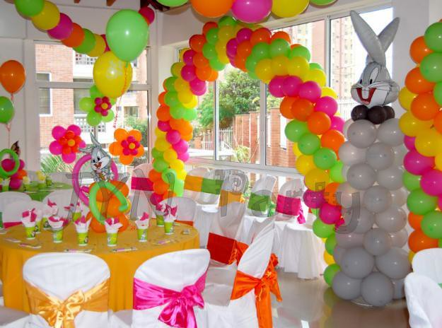 Decoración fiesta infantil looney tunes - Imagui