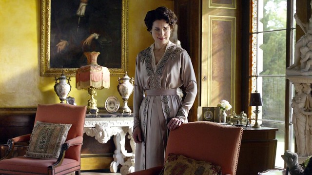 DowntonAbbeyS01E06_Coratansatin