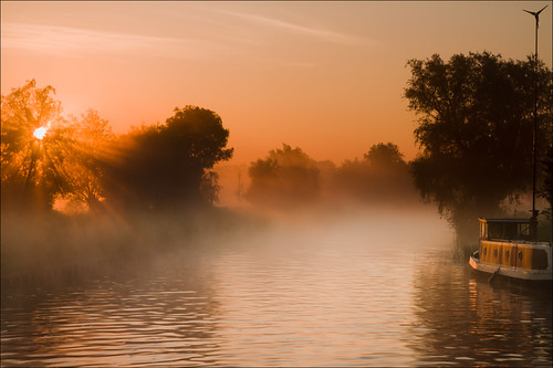 cambridge misty fog sunrise canon day summersolstice rivercam ndgrad canonefs1755f28 reversendgrad