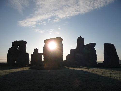 Stonehenge Sunrise - Flickr: SimonWyatt
