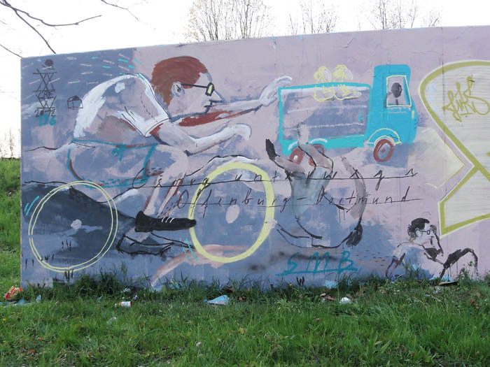Wandbild Fahrrad Unfall - Offenburg Graffiti - Johannes Mundinger, xXcrew