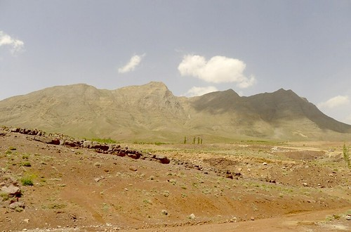 yazd-shiraz-L1020895