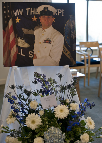 USS Mobile Bay Remembers Master Chief with Memorial Ceremony