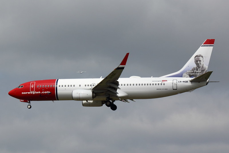 Norwegian Air Shuttle - B738 - LN-NGB (2)