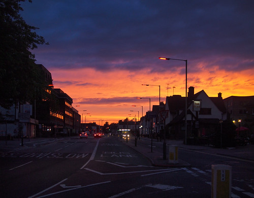 uk sunset sky cloud may 日落 watford 天空 五月 英国 stationroad 白云 沃特福德 olympusep1 panasoniclumixg20mmf17
