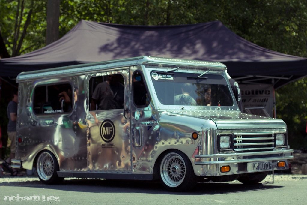 Bagged Ice Cream truck lol @ sowo