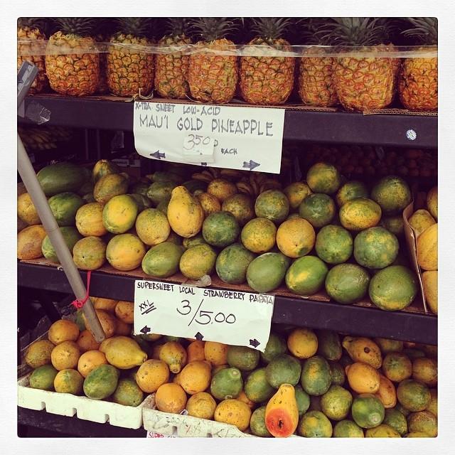 Kailua-Kona farmers' market.