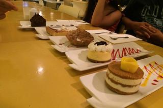 Boracay - Lemoni Cafe cake tasting