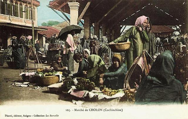Chợ cá trên đường Tổng Đốc Phương