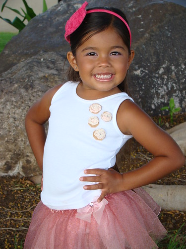 pink brown white girl smile hawaii tutu ruiz nevaeh waikoloa nevaehruiz