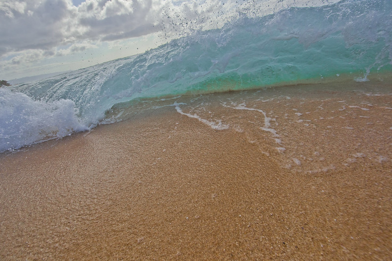 Waves at Sunset Beach, North Shore, Oahu, Hawaii
