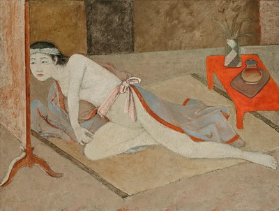 朱色の机と日本の女