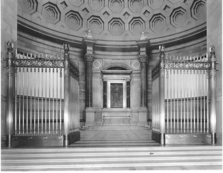 Photograph of Exhibition Hall Entrance and Central Exhibition Case, 01/05/1935