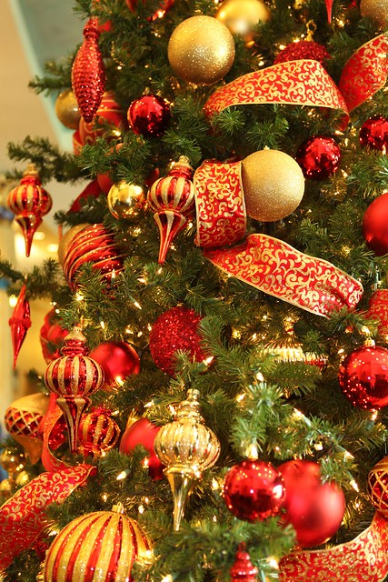 Red and gold christmas trees flickr photo sharing for Red and gold christmas decoration ideas