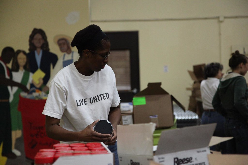 United Way staff volunteer