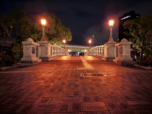 Bridge at night by hyossie