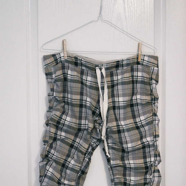 plaid capri pants for summer wear!