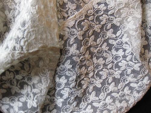 3-1. lace detail