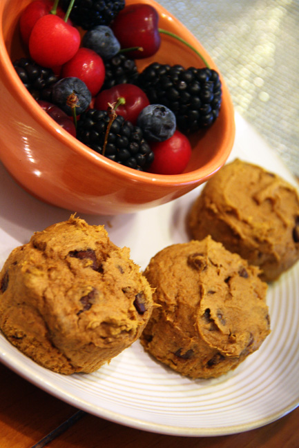 3-muffins-and-fruit