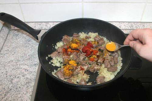 30 - Gewürze dazu geben / Add spices