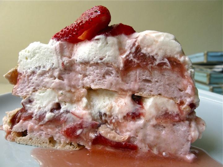 rose rhubarb pavlova 002