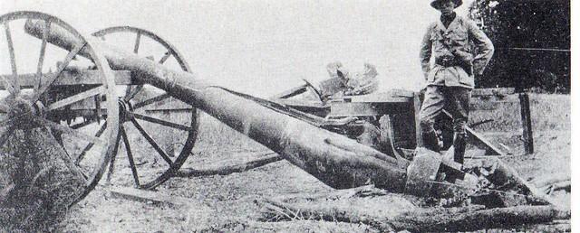 34. The abandoned German  Konigsburg gun left at Kahe