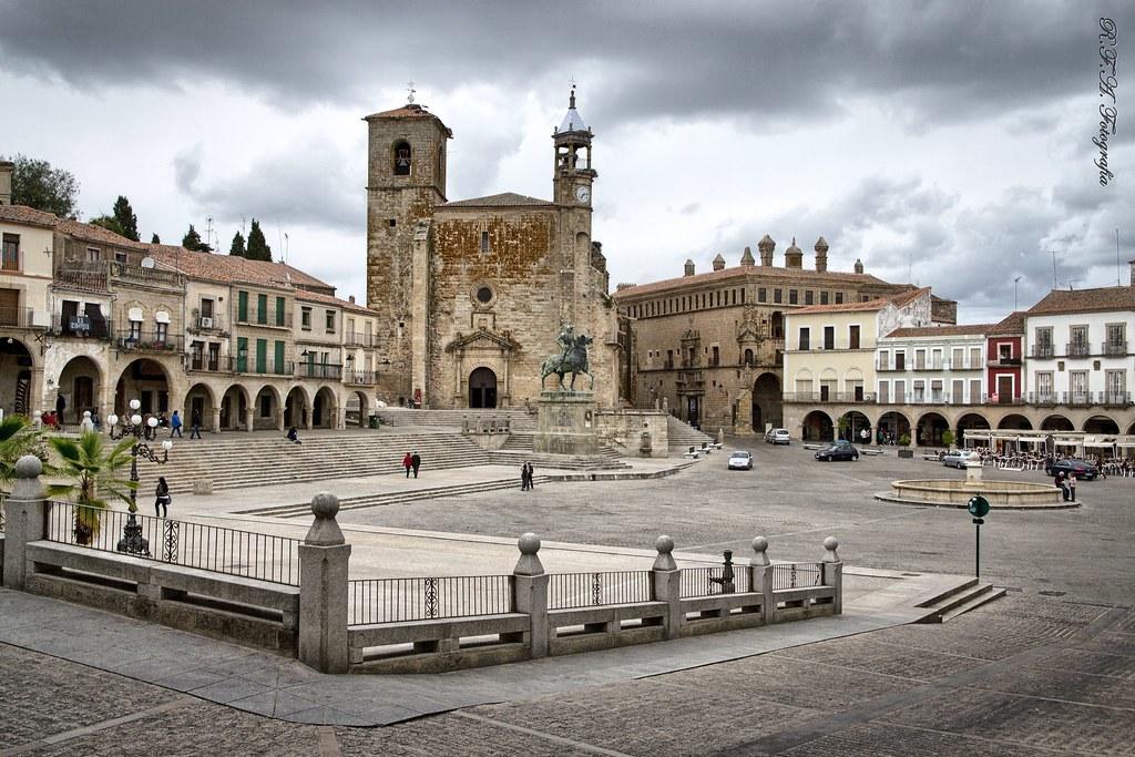 trujillo caceres plaza mayor