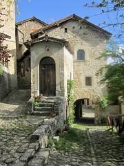 La Scola di Vimignano, antico borgo nel comune di Grizzana Morandi (Bologna)